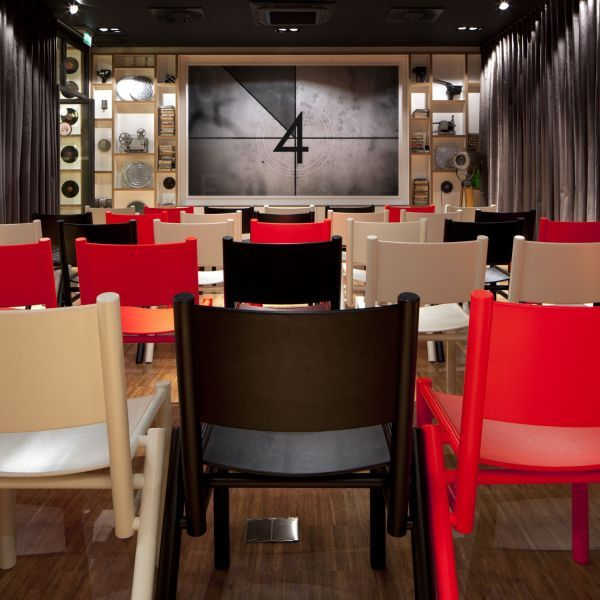cine en casa? citizenM Hotel Pinterest Glasgow hotels, Meeting - design hotel citizenm london