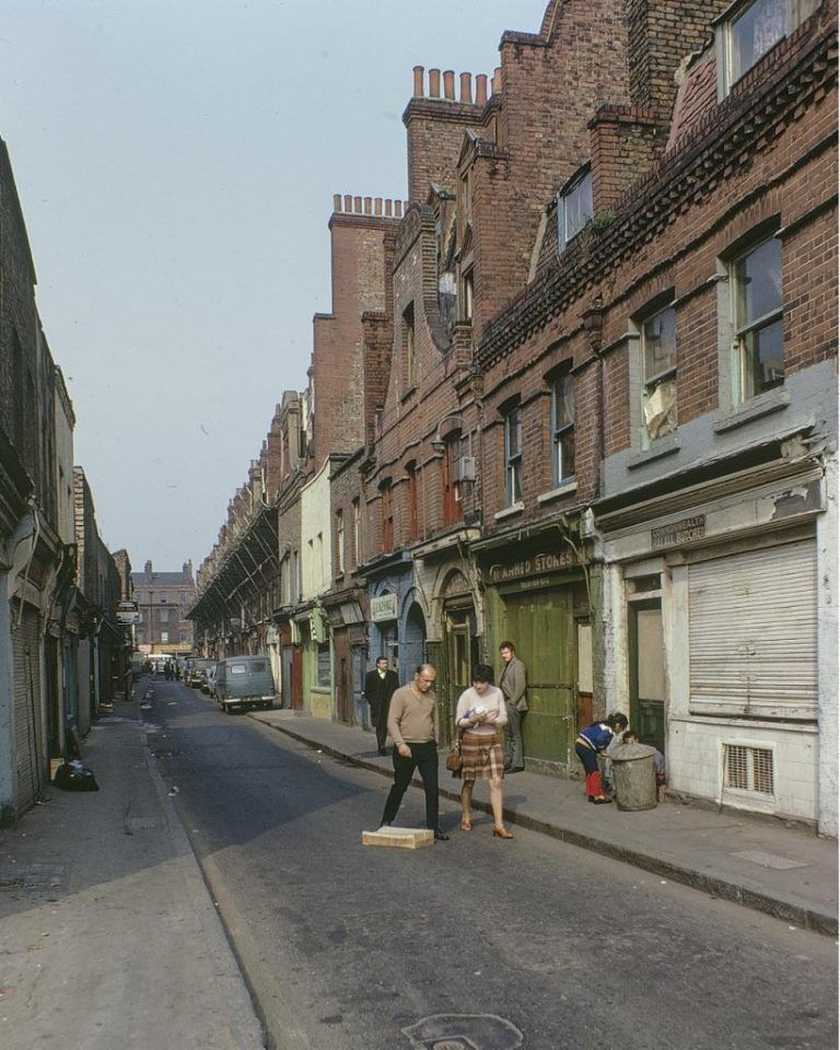 East End London: Spectacular Photos Of London's Lost East End In Kodachrome