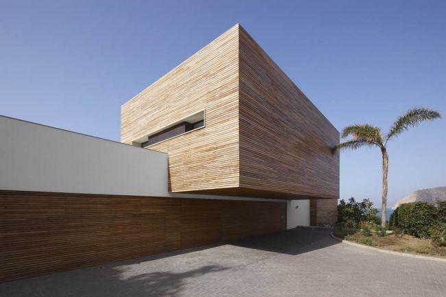 Maison contemporaine blanche avec bardage bois Wood architecture