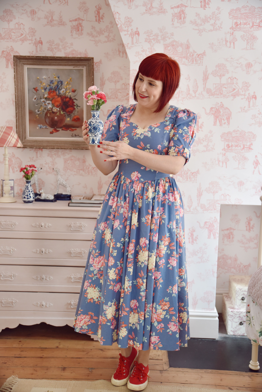 Laura Ashley Vintage Dresses In 2020 Laura Ashley Vintage Dress Vintage Dresses Vintage Floral Dress