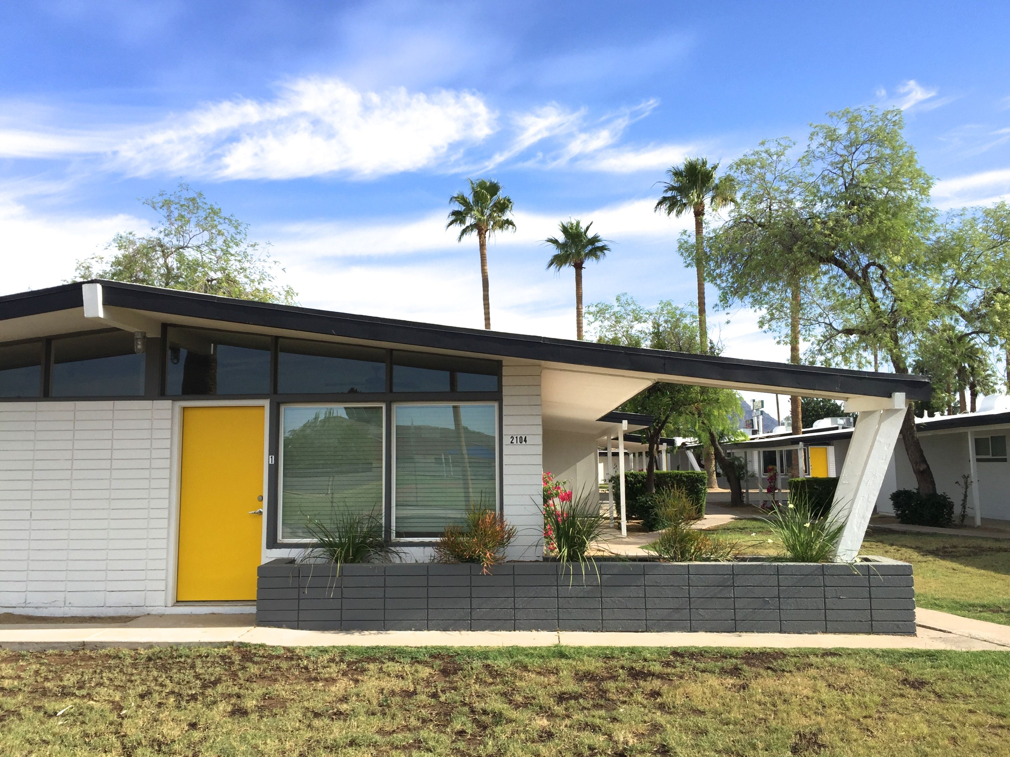 Mode Fairmount Is A Midcentury Modern Single Story Apartment Community Located In Phoenix S Sought Waterfront Homes For Sale Condos For Rent Waterfront Homes