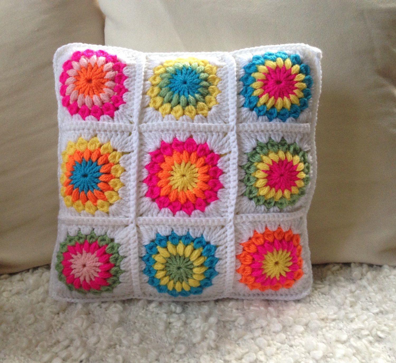 h keln kissen bunt h kelkissen flower power hippie boho sunburst flower granny squares wei. Black Bedroom Furniture Sets. Home Design Ideas