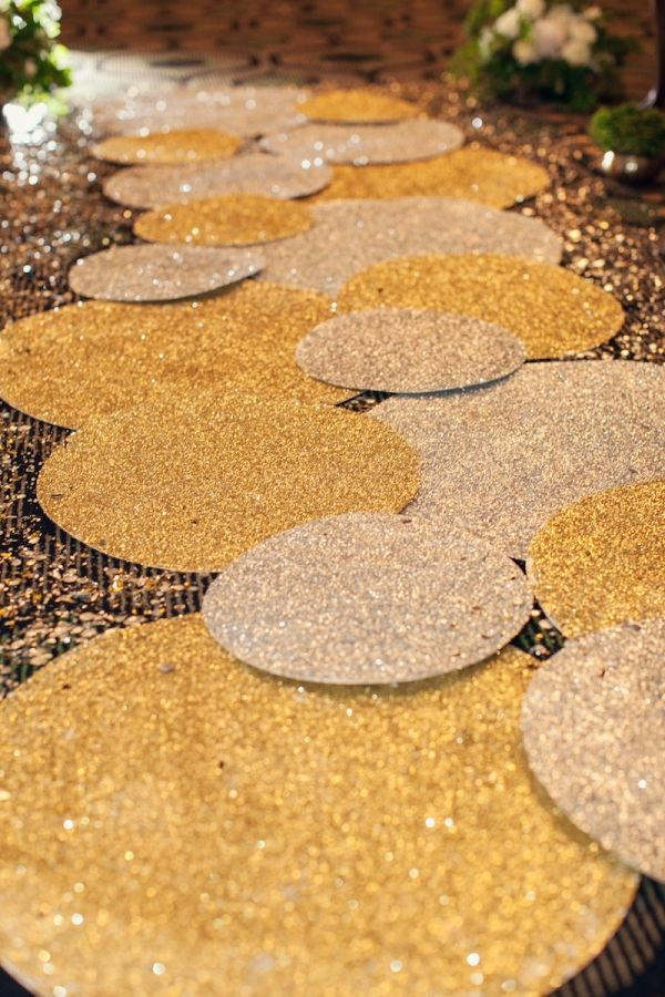 glittery paillettes in various sizes as an aisle runner // photo by SheWanders.com // design by CoutureEventsSD.com