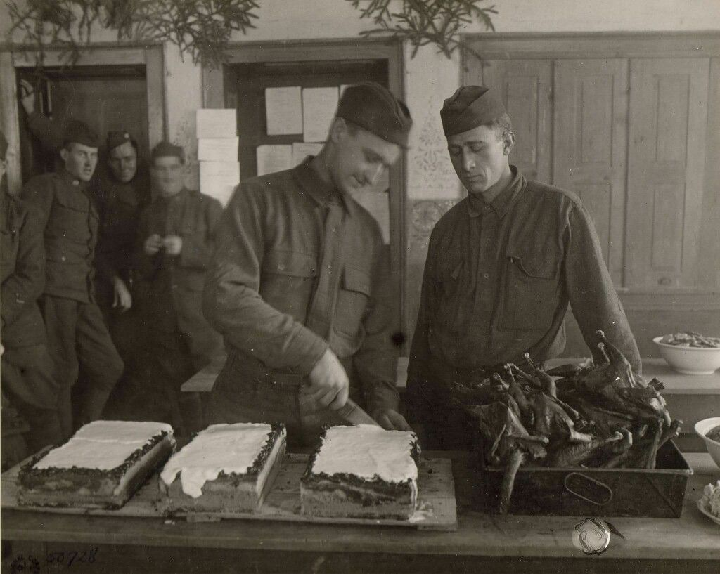 Soldiers Of The 8th Field Signal Battalion,8th Infantry Division Prepare  Christmas Dinner Mullernbach