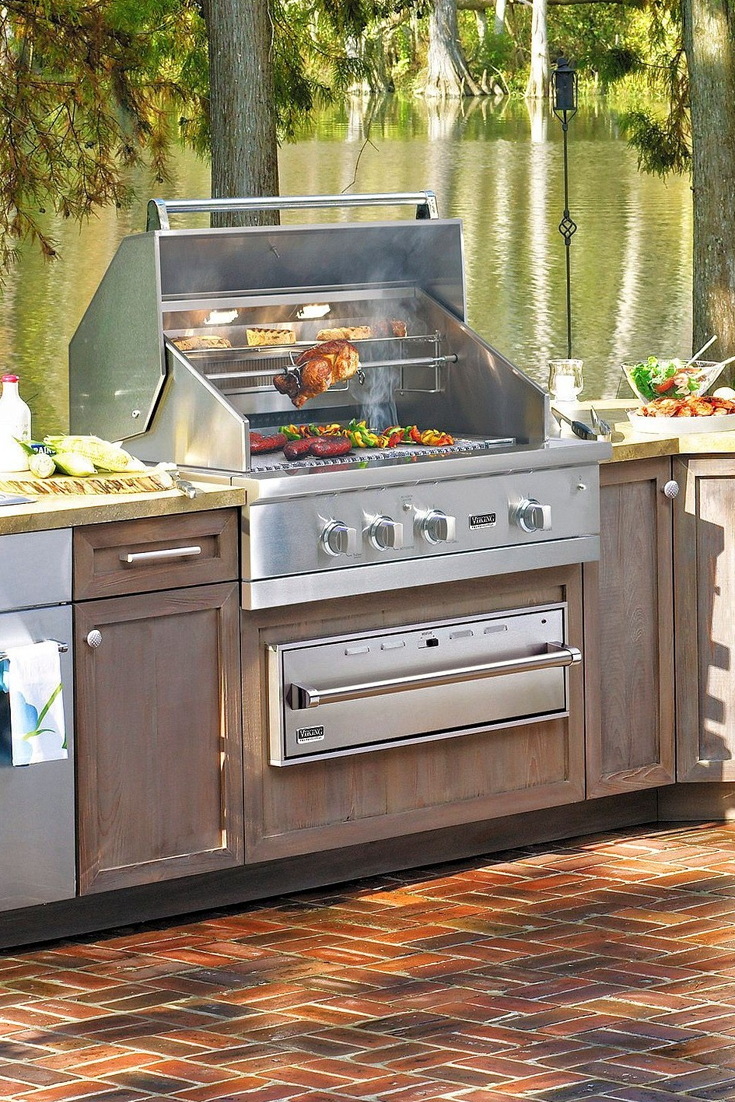 Viking Outdoor kitchen is perfect for entertaining with ...