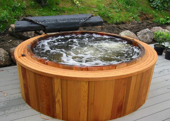 Round Western Red Cedar Hot Tubs Robert S Hot Tubs Cedar Hot