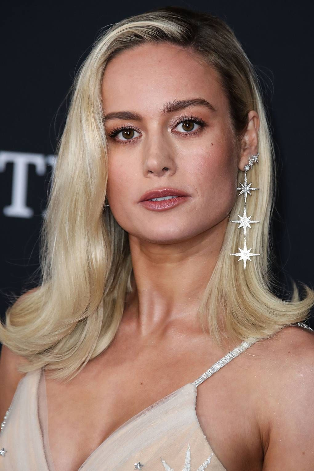All The Short Hairstyle Inspo You Need Ahead Of Your First Trip Back To The Salon Long Bob Blonde Short Hair Styles Brie Larson