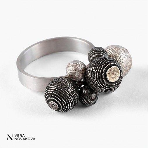 vera-novakova / prsten kuličky mix