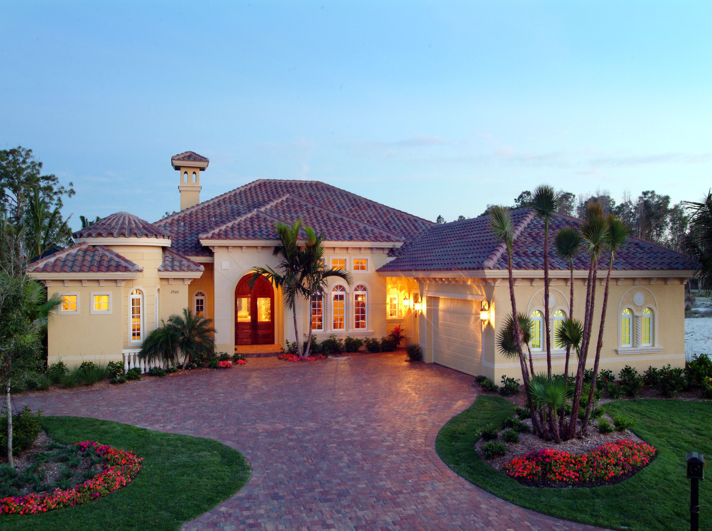 Courtyards and lanais 24021bg florida mediterranean for Florida house plans with lanai