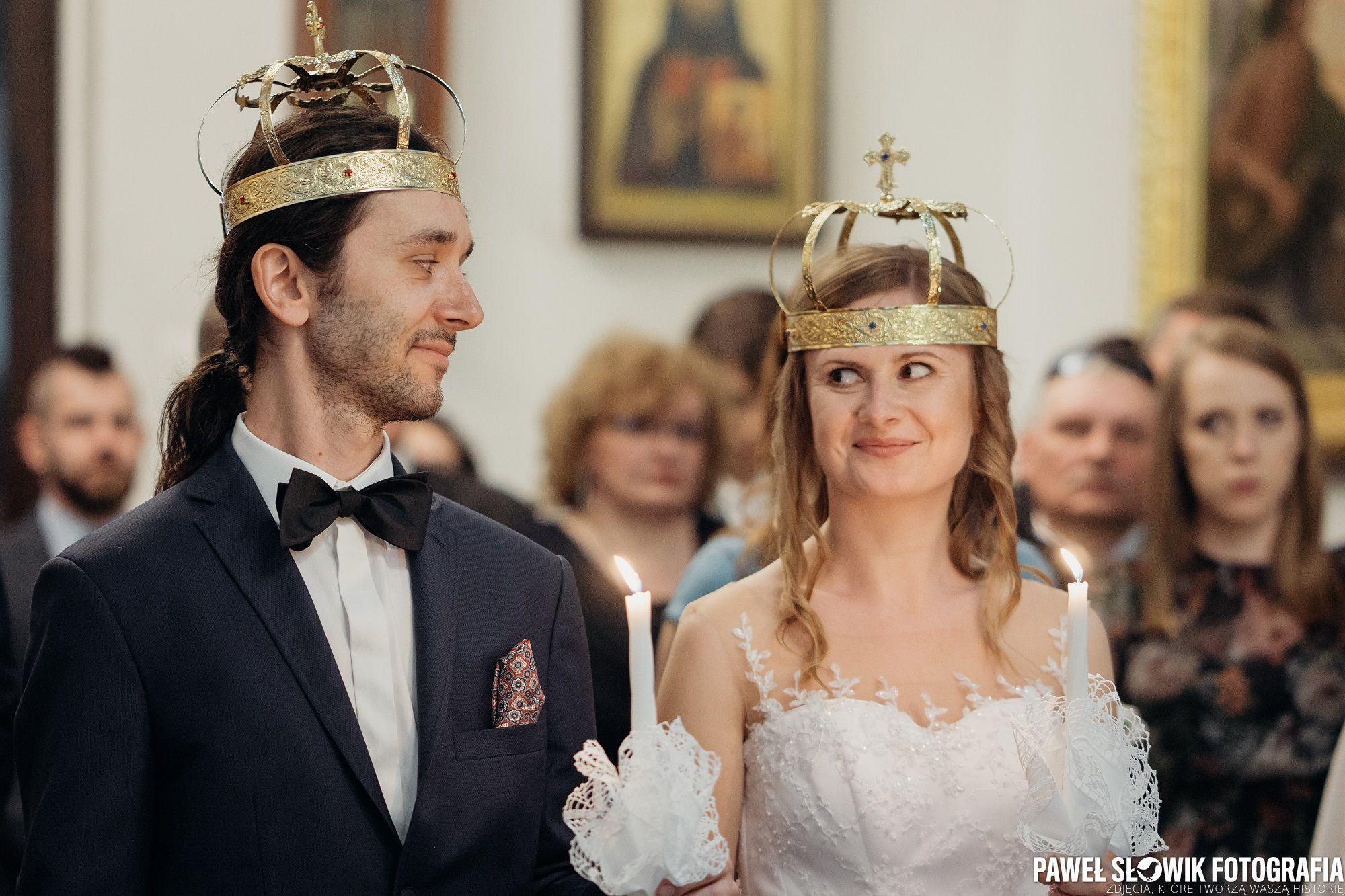 Krol I Krolowa Slowik Eu Korona Cerkiew Slubprawoslawny Slubwcerkwi Wedding Weddingphotographer Sesjazdjeciowa Slu Crown Captain Hat Fashion