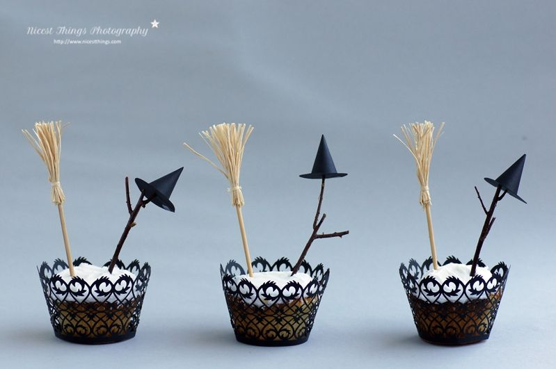 Spectacular cupcakes halloween witch broom hat fence manor house