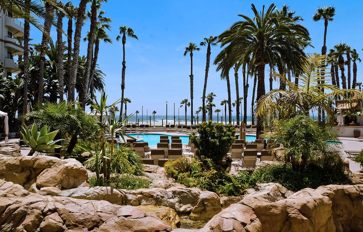 Huntington Beach Hotels The Waterfront Resort A Hilton Hotel In