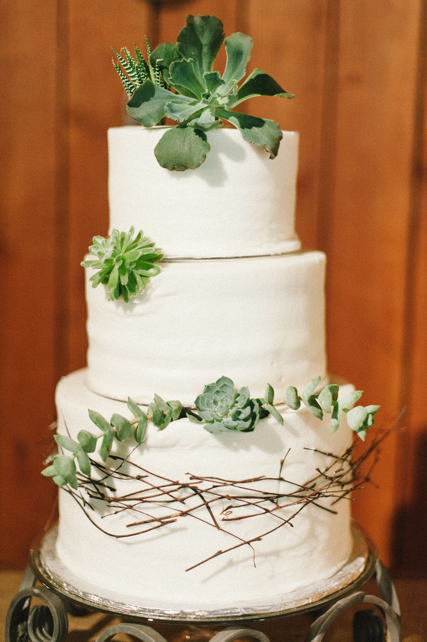 Jennyfer And William Riley S Farm Wedding Cake By Martha Green Dough Lectibles Bakery