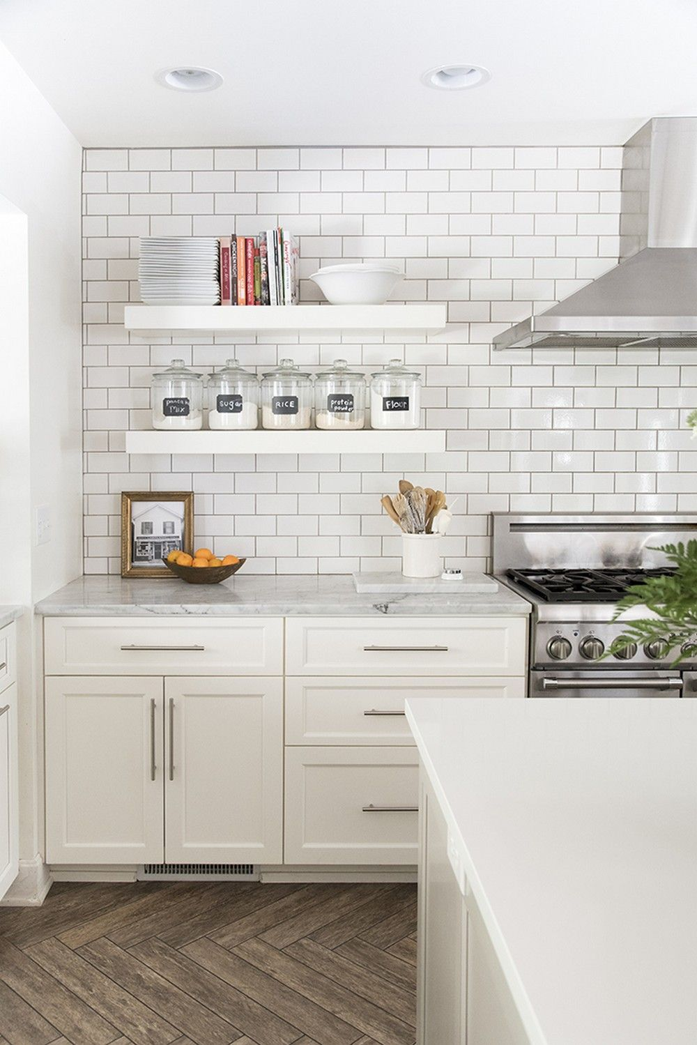 Download Wallpaper White Kitchen With Open Shelves