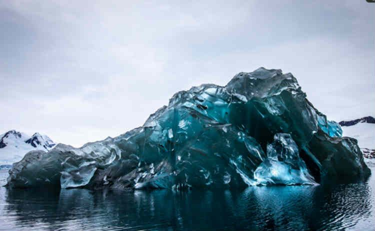 When They Said They Live In A Van I Laughed Then They Yanked On The Door I Am Kind Of Jealous Antarctica Iceberg Cool Photos