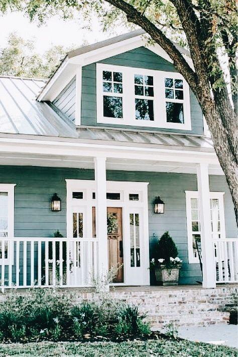 48 Incredibly Modern Farmhouse Home Exterior Design Ideas - #Design #exterior #F...