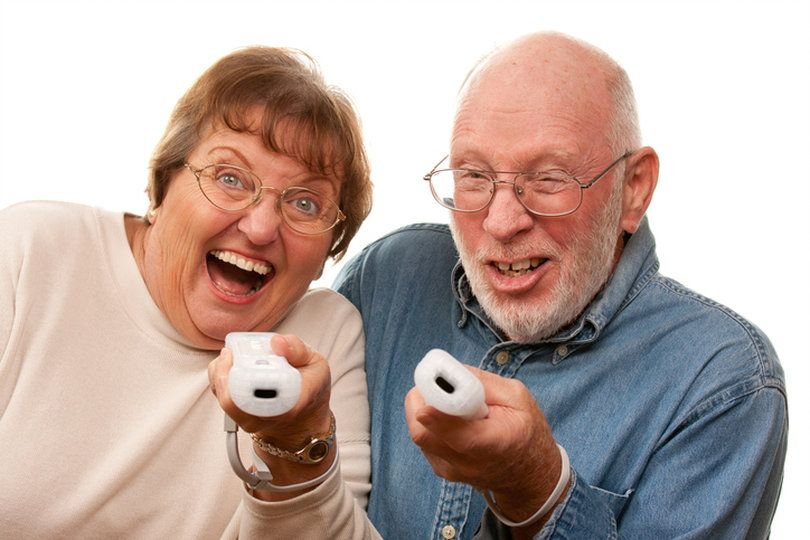 6 Stimulating Games and Puzzles to Entertain Seniors Non
