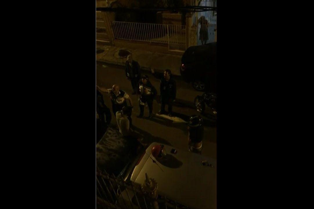 VIDEO MOSTRA POLICIAL AGREDINDO MOTOQUEIRO NA ILHA DO GOVERNADOR, RJ