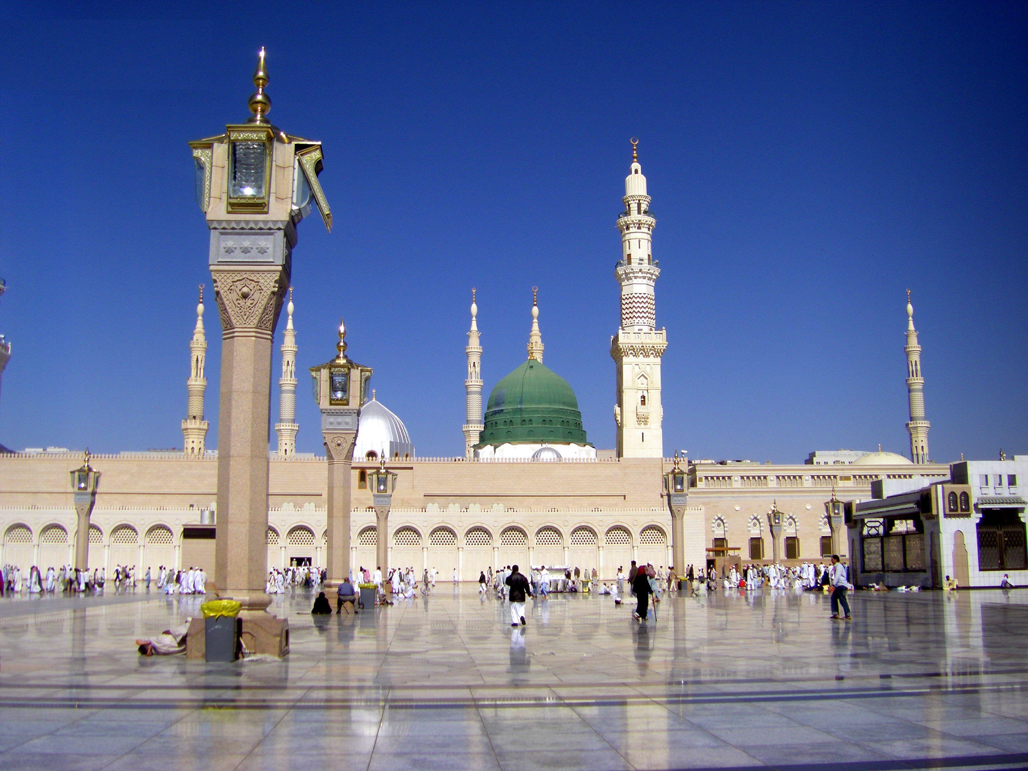 Al-Masjid an-Nabawi in Medina, Saudi Arabia  | Masjid