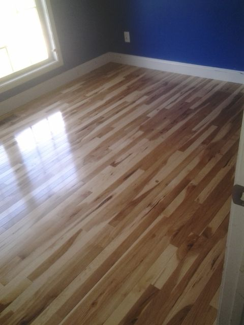 2 1 4 Micro V Character Grade Hickory Hardwood Floor With Semi Gloss Finish Hickory Flooring Hickory Hardwood Floors Hardwood Floors