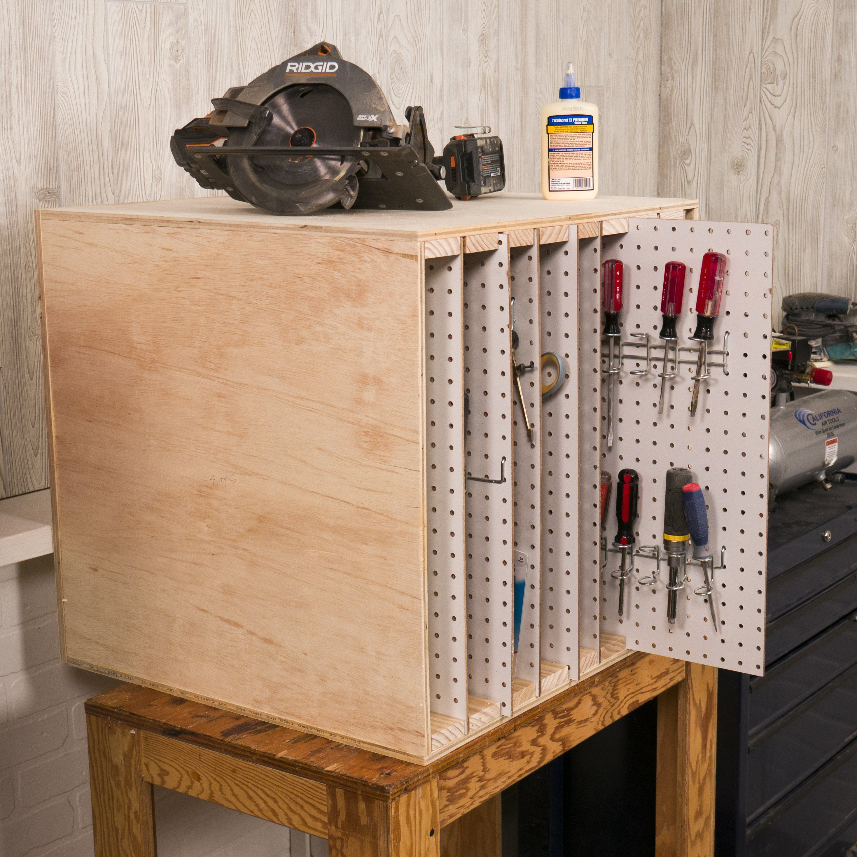 Garaje: Saturday Morning Workshop: How To Build A Sliding Pegboard