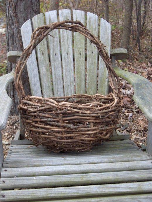 How To Make A Grapevine Basket Twig Crafts Grape Vines Basket