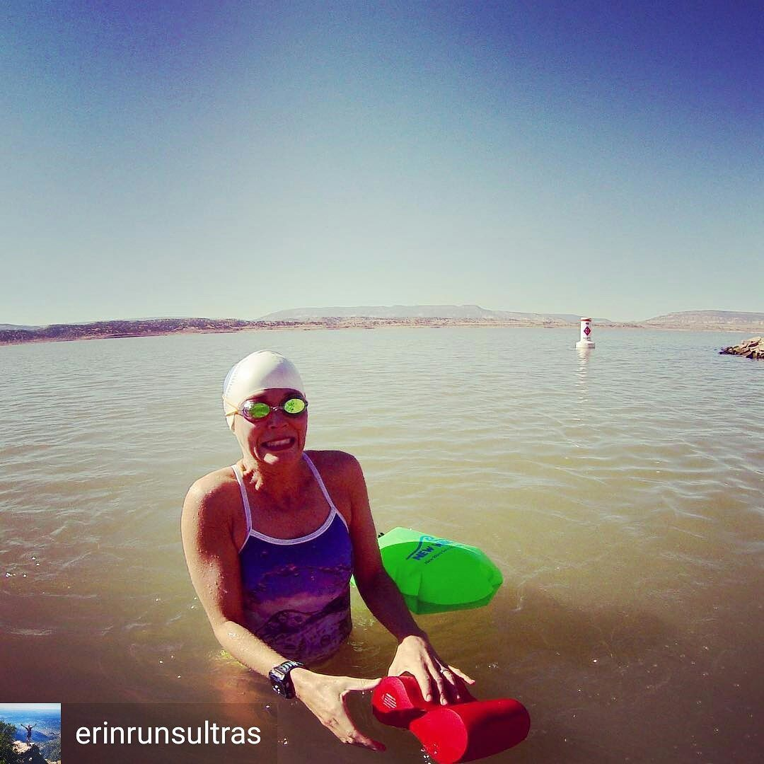 From Erin Churchill Erinrunsultras Those First Few Minutes Are Always Tough My Face Isnt Hiding It Either A Open Water Swimming Swimming Hamstrings