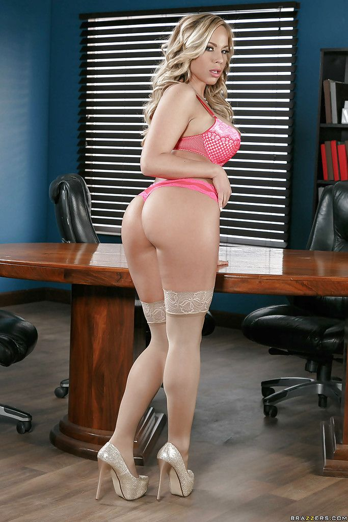 Blonde Office Big Tits - Blonde secretary in stockings Olivia Austin unveils big tits in office Porn  Pics, Porno Pictures