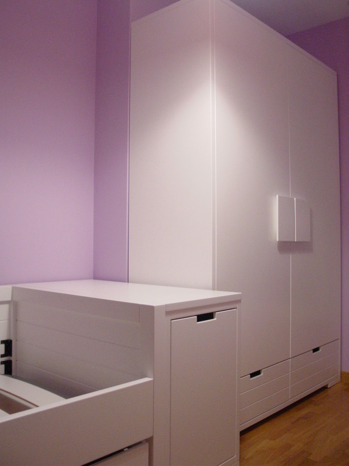 Habitaci n juvenil muy completa y bien aprovechada for Bona nit muebles