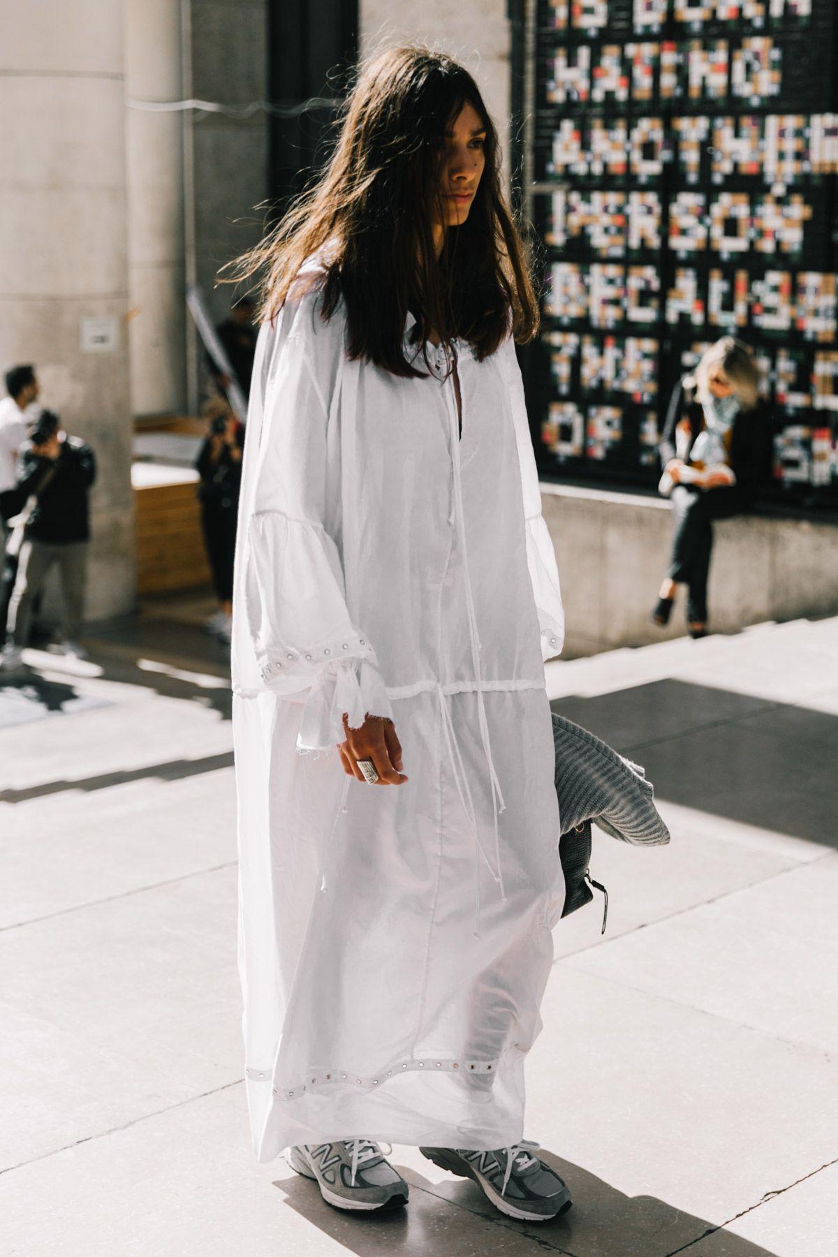 Street Style #PFW / Día 3: de pantalones 'culotte' vaqueros, sudaderas, jerséis de lana y muchas botas. Todas las tendencias están en las calles de París. © Diego Anciano / @collagevintage2 #mensstreetstylesummer