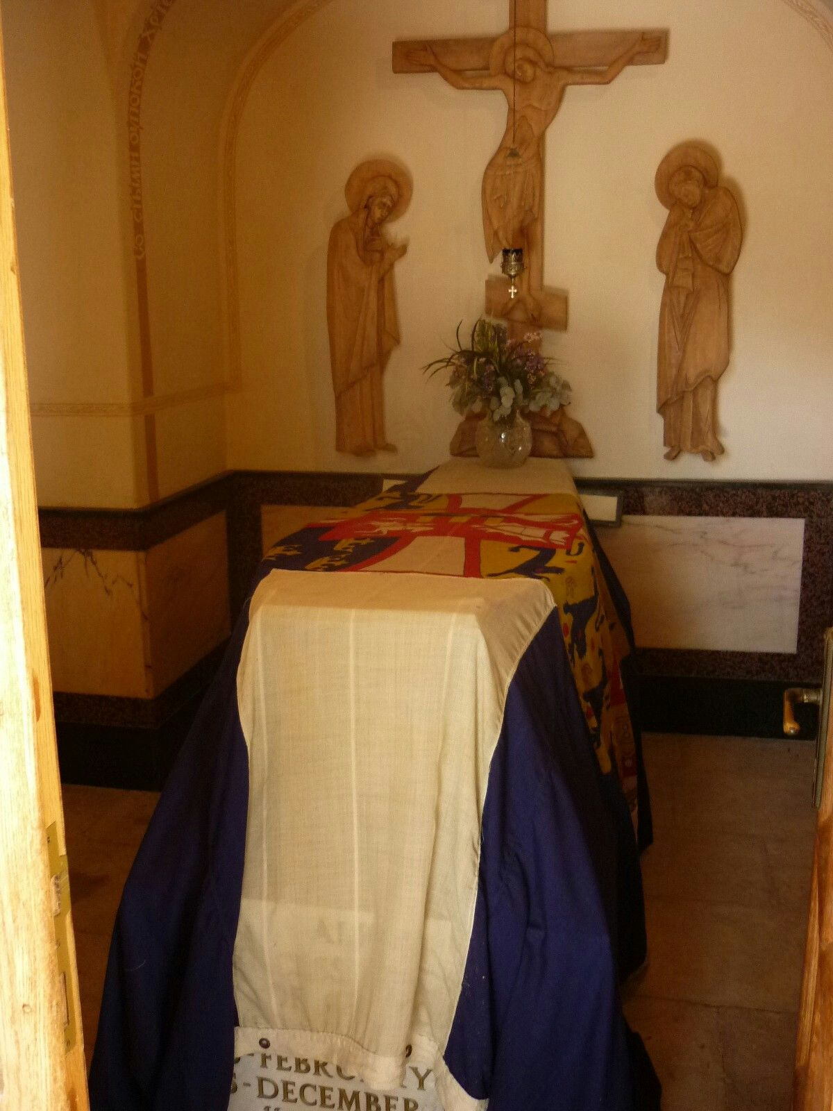 The Coffin And Final Resting Place Of Princess Alice Of Battenburg At The Crypt Below The Conven Princess Alice Of Battenberg Princess Alice Princess Elizabeth
