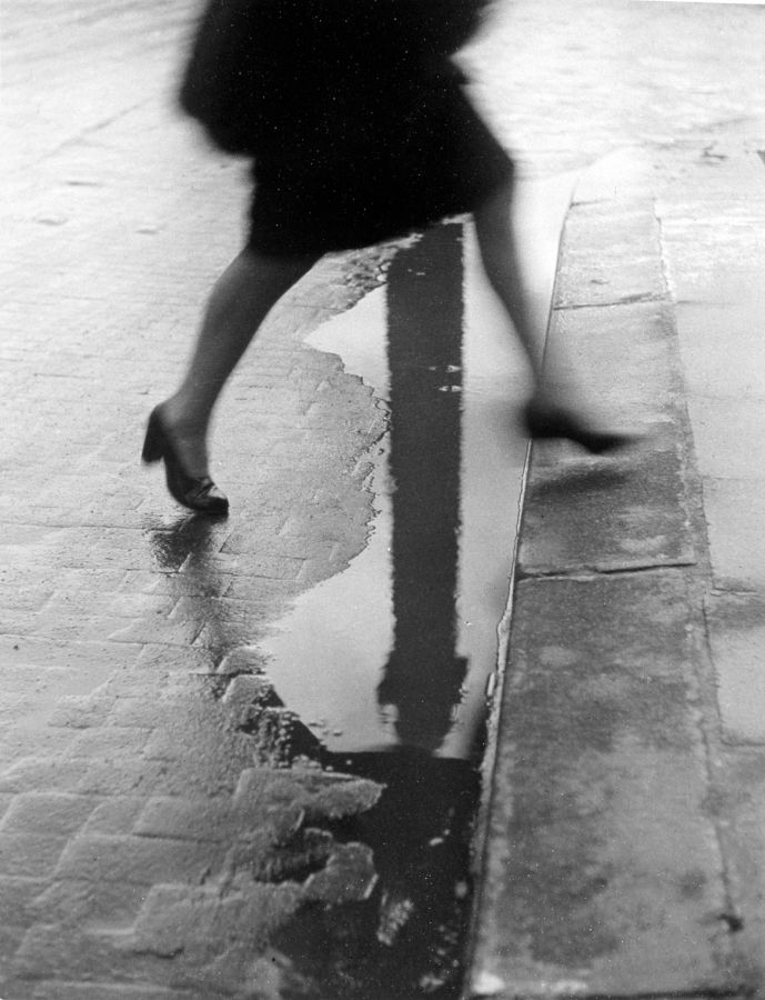 Lot : WILLY RONIS (1910-2009)Place Vendôme, Paris 1947Tirage argentique postérieur,[...] | Dans la vente Clin d'oeil Sur le XX° Siècle - Design - Photographies - Art Urbain - Art - Automobilia à Leclere - Maison de Ventes