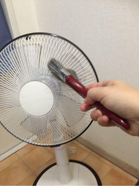 ダイソーのハケで簡単掃除 扇風機掃除 収納法 With Images