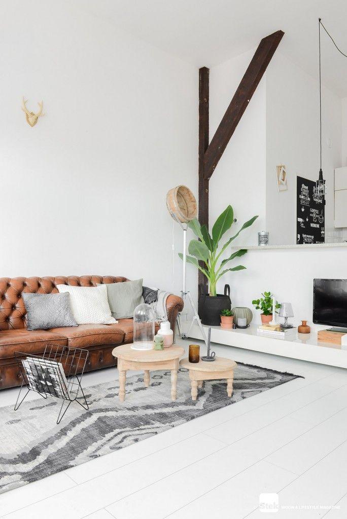 Woonkamer inrichten: Stoer met warme kleuren | Interiors, Living ...