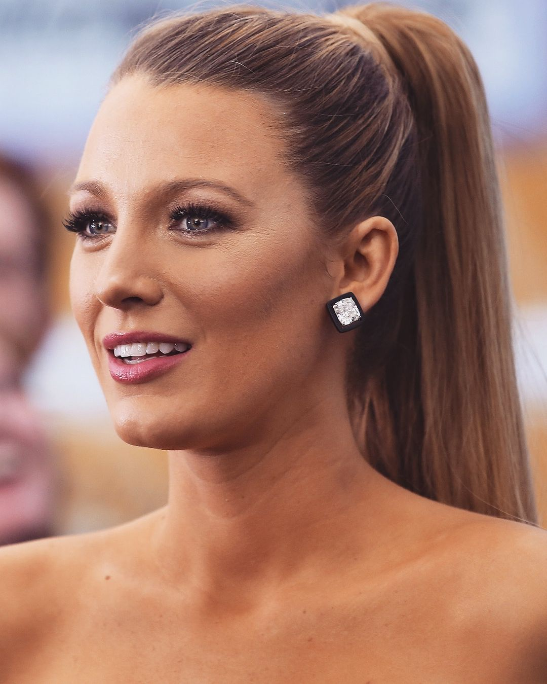she is perfect !!! 🌟 which is your favourite #blakelively hairstyle