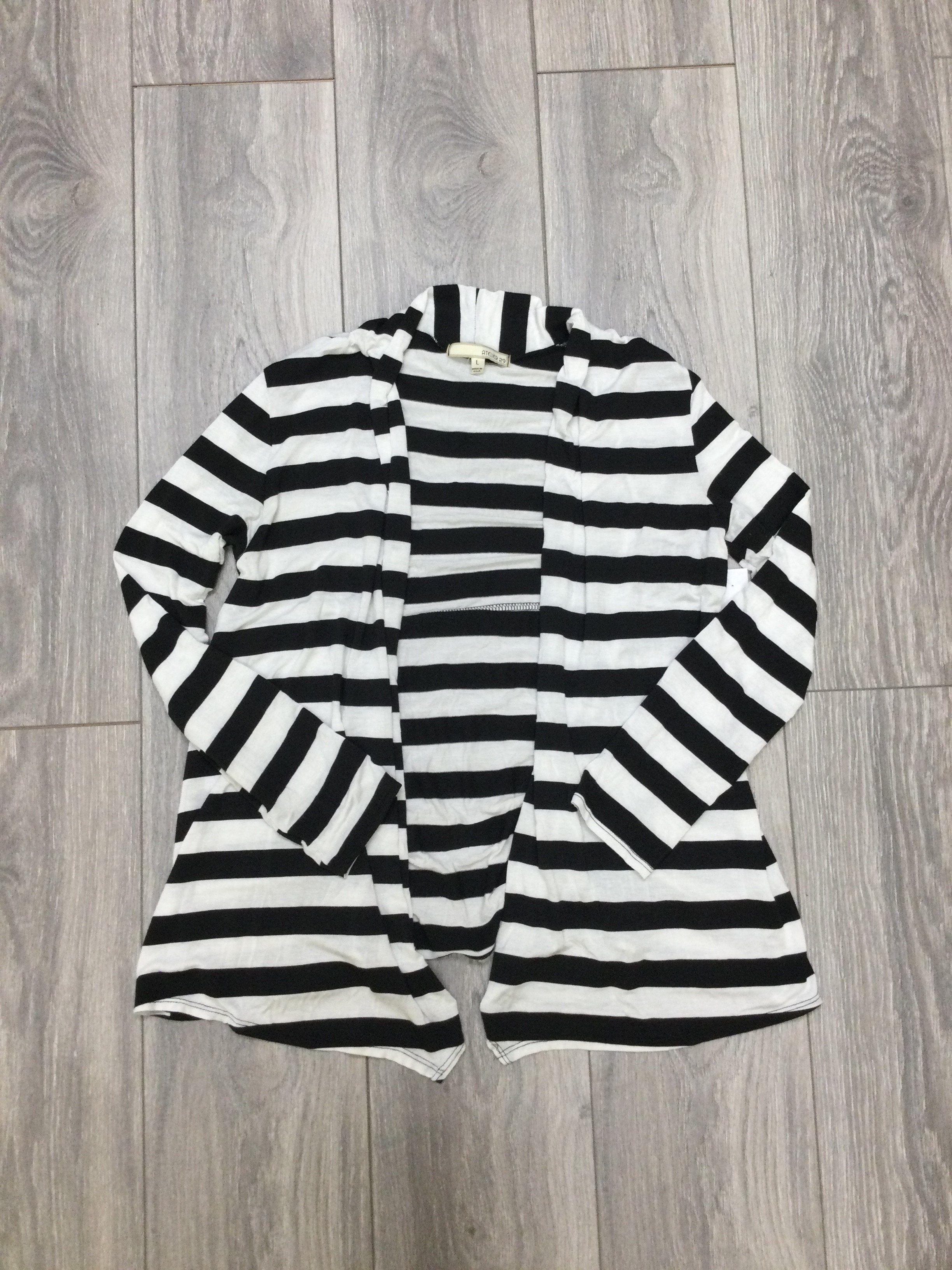 Sweater Cardigan Lightweight By Atelier  Size: L