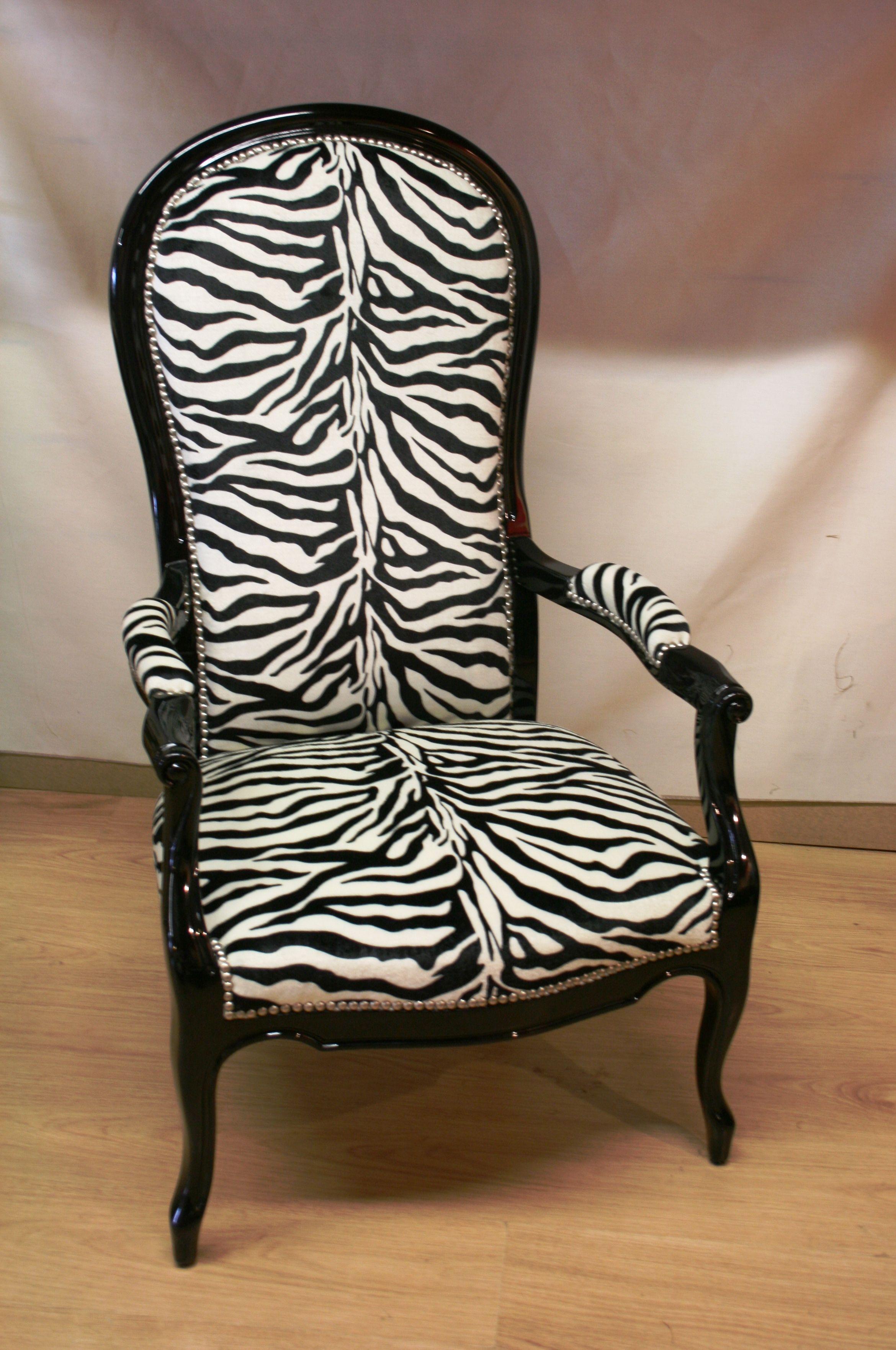 monsieur voltaire aurait il aim lire et crire dans ce fauteuil jungle deco maison perso. Black Bedroom Furniture Sets. Home Design Ideas