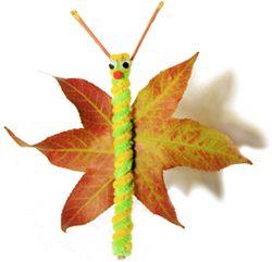 Mariposa. Con hojas, un palo, lana, cartulinas pegamento y tijeras. Cada alumno puede representar su mariposa.