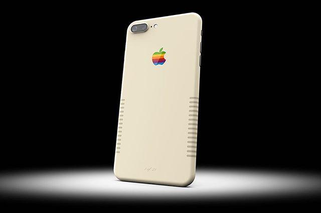 매일 보는 #아이폰 색에 질렸다면 주목! 클래식하고 빈티지한 아이폰이 탄생했답니다IT기기에 원하는 대로 옷을 입혀주는 #컬러웨어 가 아이폰7 #레트로 한정판 모델을 출시했습니다 1984년도 매킨토시 컴퓨터의 상아색에 놓인 무지개 사과 로고가 1980년대 맥을 상기시키네요 이번 리미티드 모델은 컬러웨어 웹사이트에서 구매 가능하답니다 @colorware_inc  via HARPER'S BAZAAR KOREA MAGAZINE OFFICIAL INSTAGRAM - Fashion Campaigns  Haute Couture  Advertising  Editorial Photography  Magazine Cover Designs  Supermodels  Runway Models