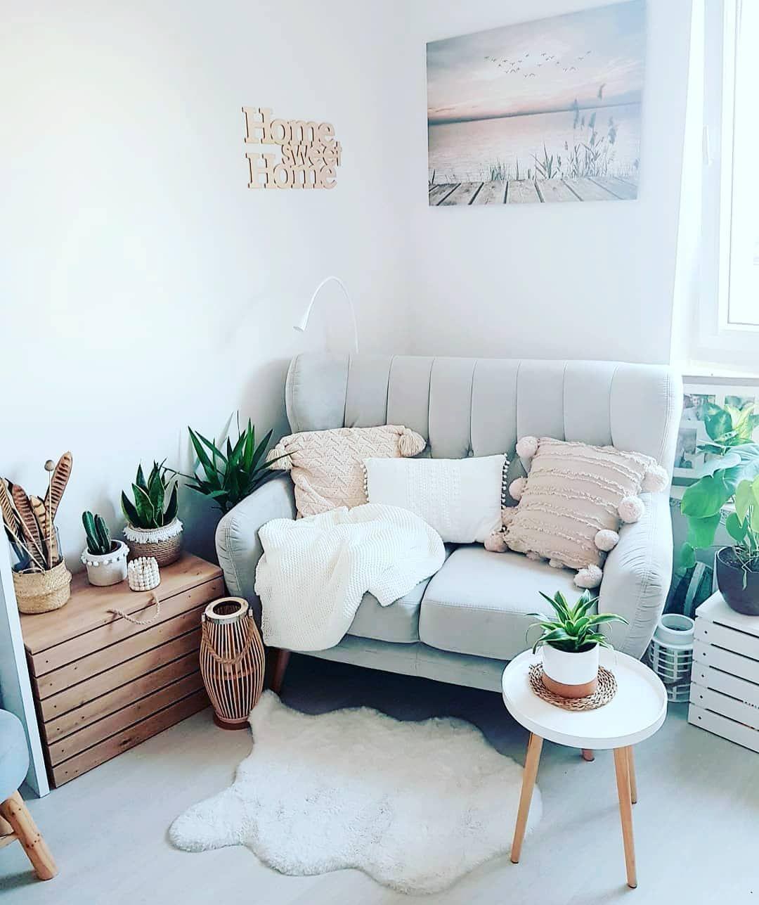 استغلال الزاوية الميتة من الغرفة ببعض الأفكار البسيطة يمكن أن يشكل فرق كبير في ديكور منزلك الداخلي غرفة جلوس ديكورات حديثة Home Decor Decor Home