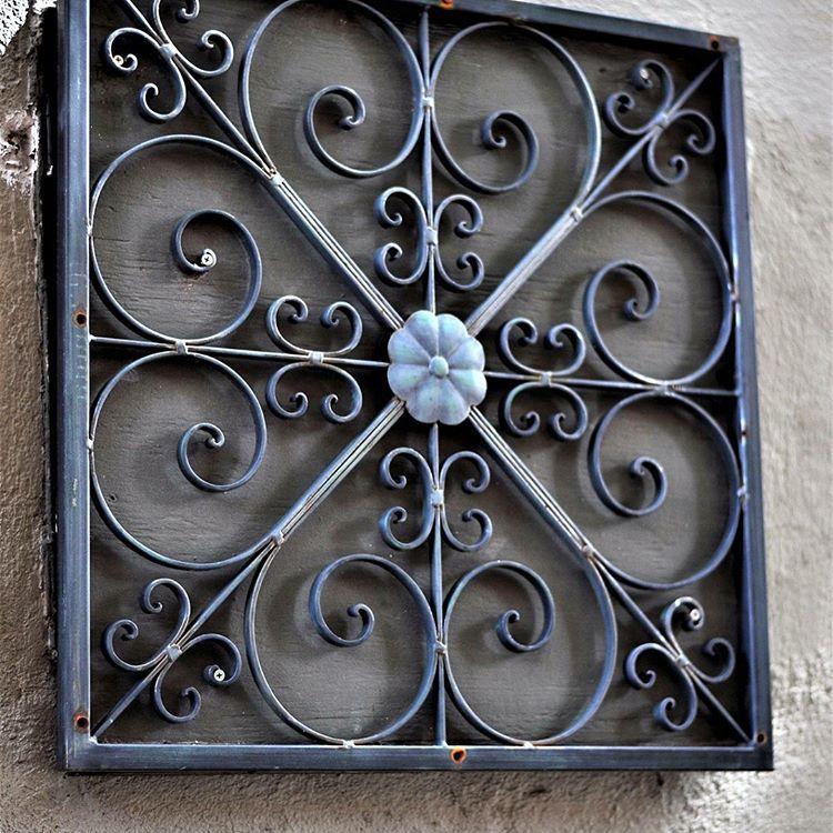 Brebogert On Instagram Wroughtiron Brebogertphotography Charlestonsc Charlestonsc Photography G Wrought Iron Design Metal Doors Design Steel Gate Design
