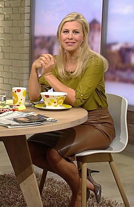 Nadine Krüger in Lederrock