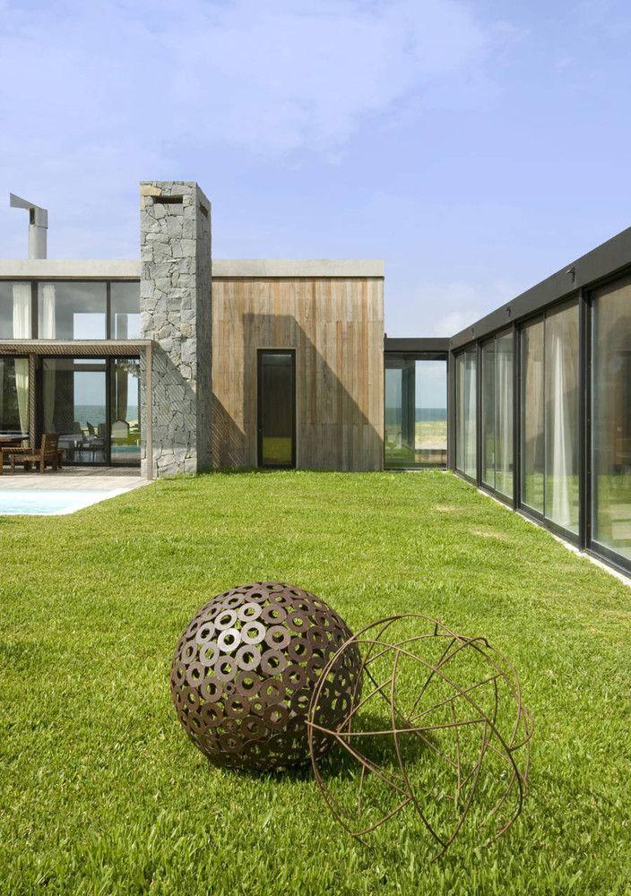 Gallery of la boyita martin gomez arquitectos 21 el for Casa minimalista uy