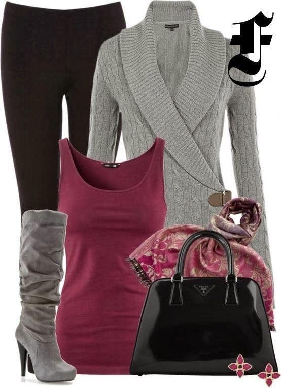 Legíny, tielko a kardigán doplnené vysokými čižmamy a lakovanou kabelkou pre elegantný vzhľad
