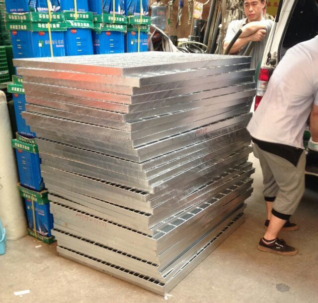 Best Factory Galvanized Steel Grating With Images 400 x 300