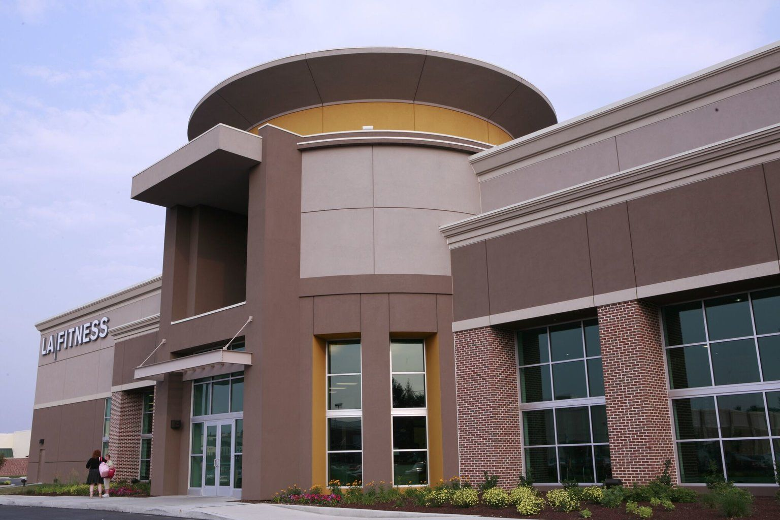 Pin By Ritchie On Eifs Building Structures Multi Story Building