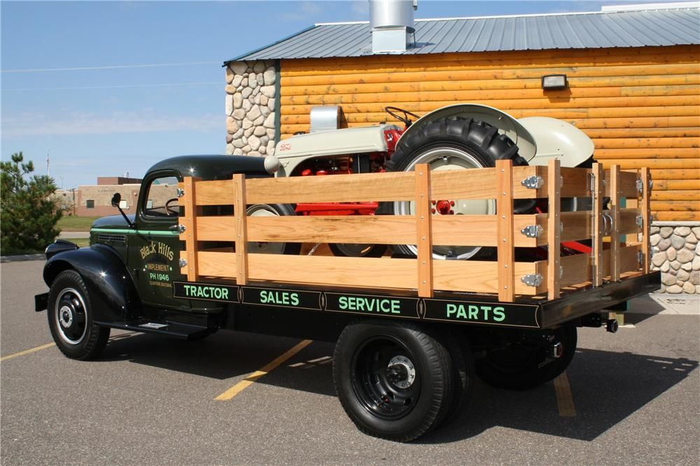 1946 Chevrolet Flatbed Truck Chevrolet Trucks Old Pickup Trucks