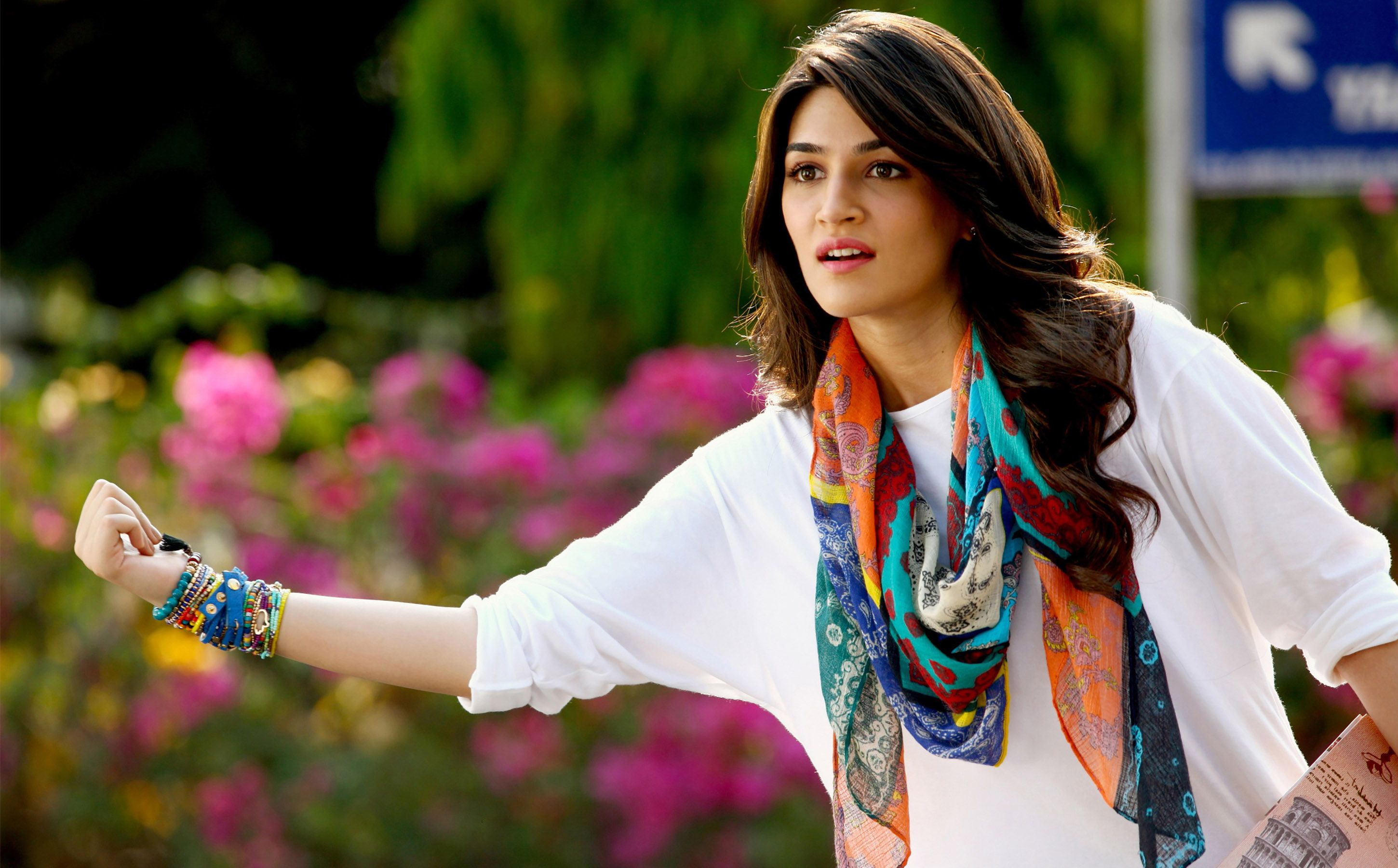 kriti-sanon-hd-wallpapers-9 #kritisonanhdwallpapers #kritisonan