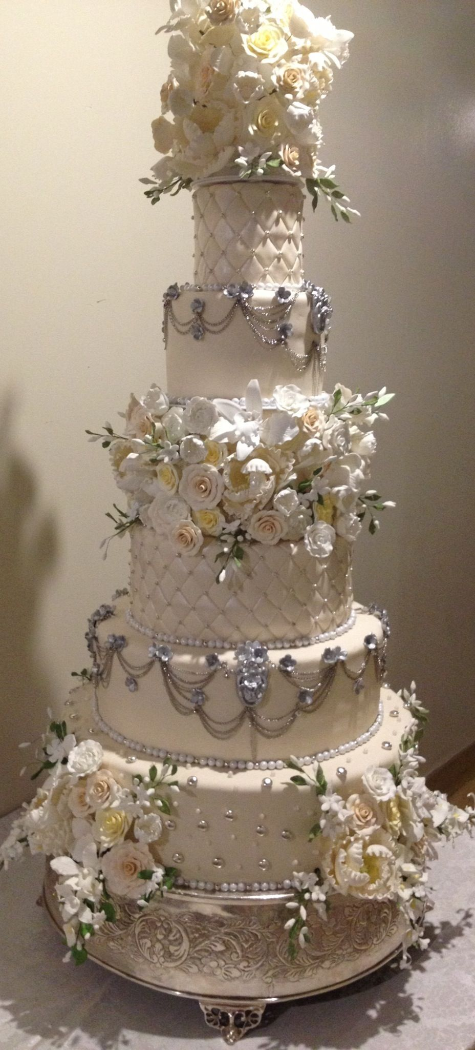Oheka Castle Wedding Cake by Daniel Andreotti Large
