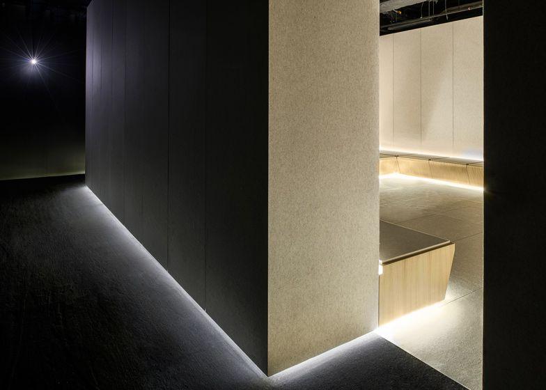 The Silence Room At Selfridges By Alex Cochrane Architects Sovremennyj Dizajn Potolka Dizajn Sveta Dizajn Potolka